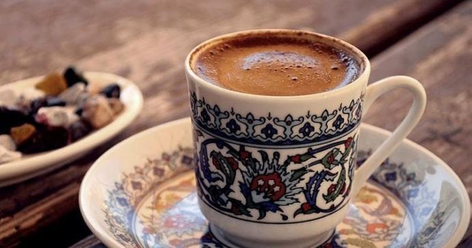 İlk önce Kahve mi, Yemek mi??