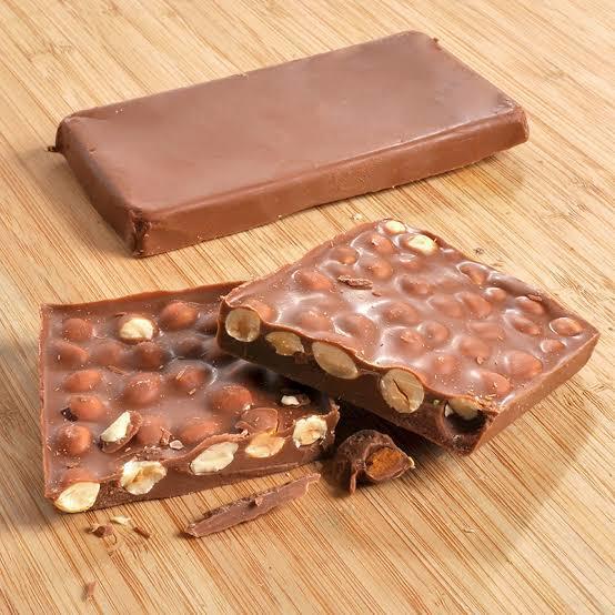 Çikolatayı fıstıklı mı yoksa fındıklı mı tercih edersiniz?