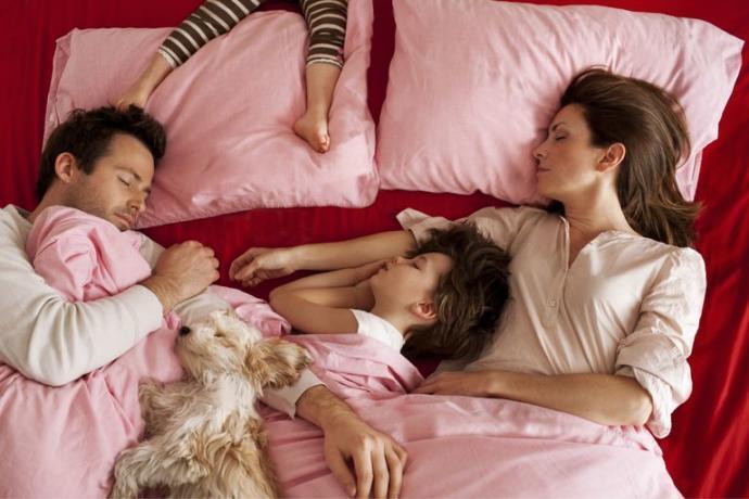 Çocuğunuz gece sizinle uyumak istese ne yapardınız?