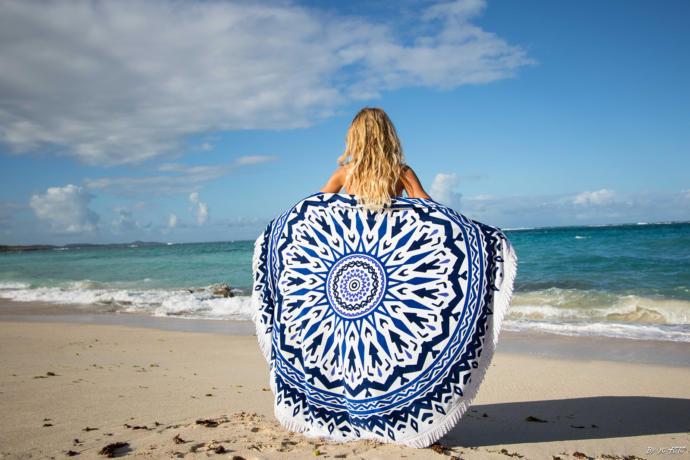 Son yılların modası olan yuvarlak havlulardan hangisi ile plaj kombininizi tamamlarsınız?