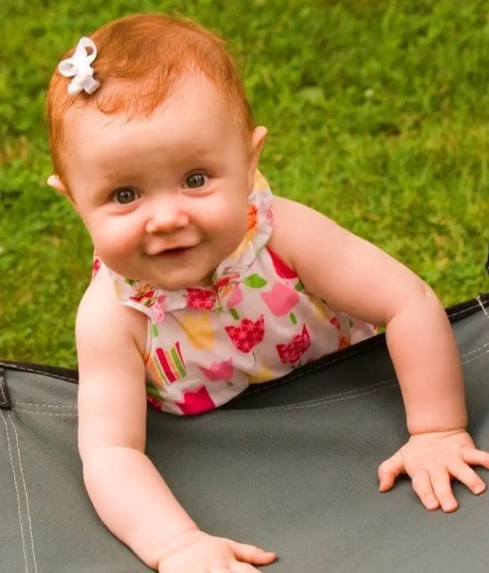 Turuncu saçlı bebekler çok tatlı değil mi?