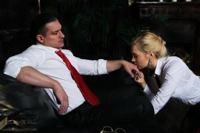 Kadınlar bayram sabahı kocalarının elini öpmeli midir?