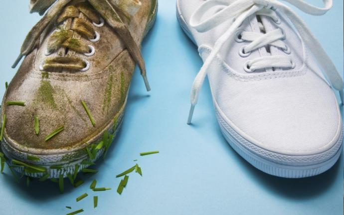 sararan beyaz spor ayakkabıyı beyazlatma yöntemleri