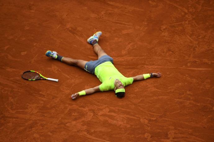 Fransa tenis turnuvasında şampiyon olarak tarihe; ''En fazla kazanan tenisçi'' olarak geçen Rafael Nadal hakkında ne düşünüyorsun?