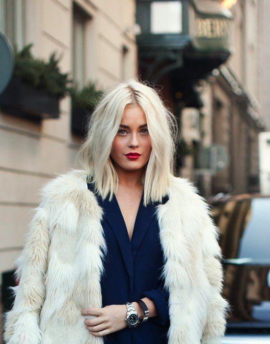 Beyazlarını kapatmaya çalışan taraf mısınız, beyaz saç sevdası olan taraf mı?