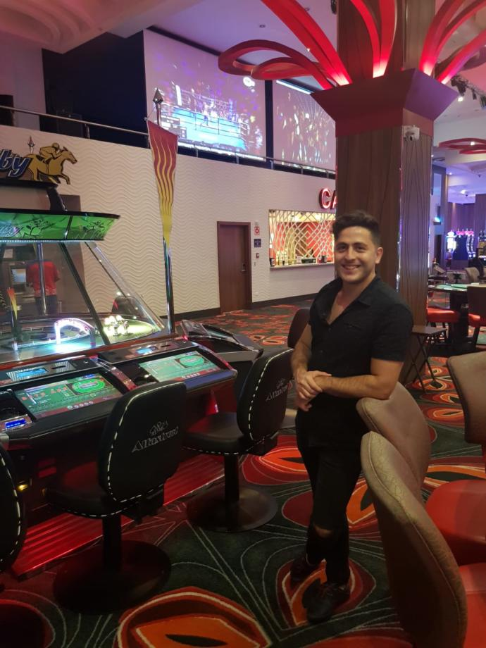 Tatile diye yola çıkıp, casinoda yani dilimizde kumarhanede bütün paraları yersek, eve dönüş biletini nasıl alabiliriz:)?