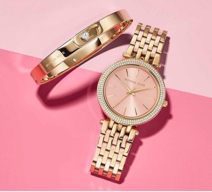 Sizce bu saatlerden hangisini almalıyım??