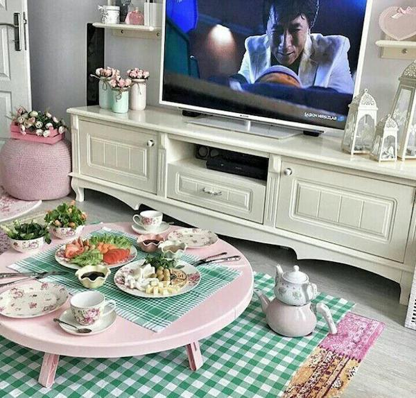 Yer sofrasında mı, yemek masasında mı yemek yemeyi tercih ediyorsunuz?