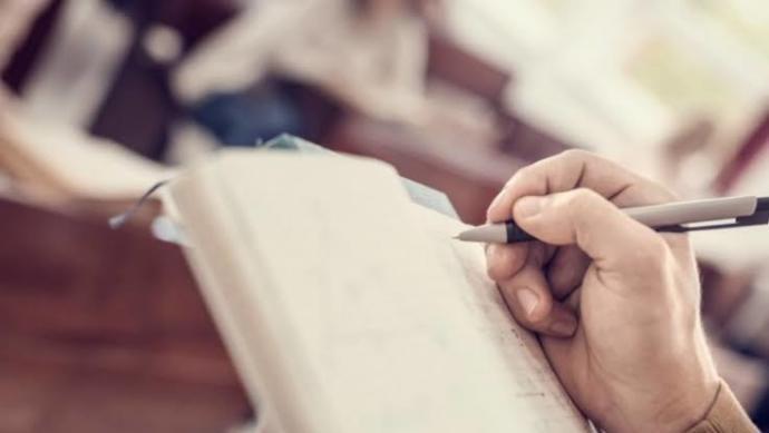 Benim gibi gelecekte çocuğuna okuması için mektup ya da günlük yazan var mı?