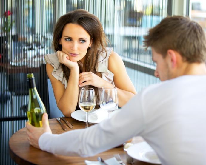 Yeni tanıştığınız bir insanda dikkatinizi ilk ne çeker?