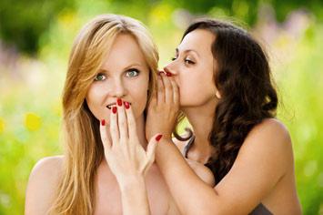 Sevgilinizin adı aşk dedikodularına karıştığında yapmanız gerekenler nelerdir?