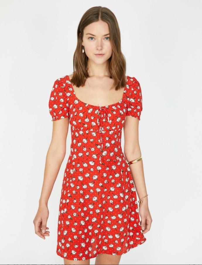 Bu elbise nasıl sizce? İlk buluşmaya giyilir mi?