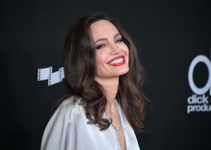 Angelina Jolie, Time dergisinin editörü oldu! Sizce editörlükte de oyunculuktaki gibi çığır açacak işlere imza atabilecek mi?