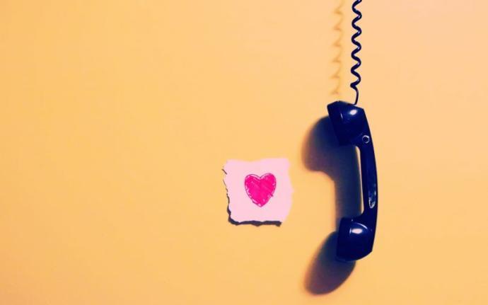 Telefon acı acı çalarken sevgilin sandığın insanı ne kadar süre telefonun başında bekledin?