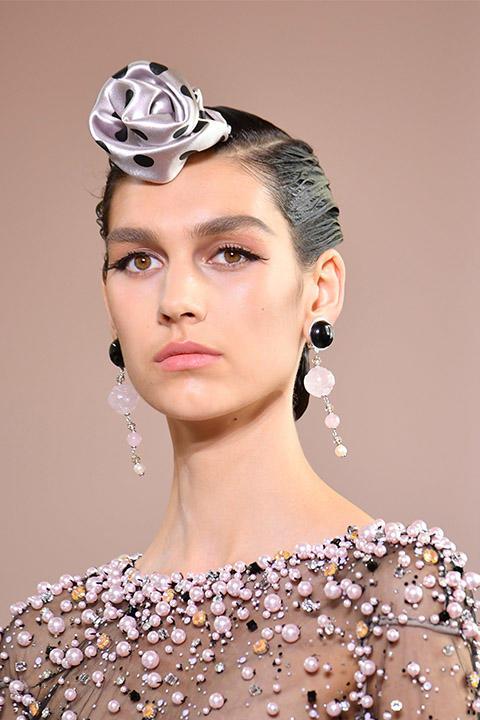 Couture moda haftasının saç makyajlarından hangisi favoriniz oldu?