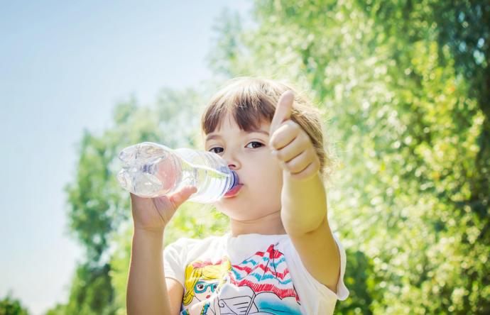 Çocuğunuzun su tüketimine dikkat eder misiniz?