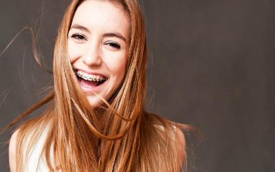 Hangi diş trendi kadınları daha çekici gösteriyor?