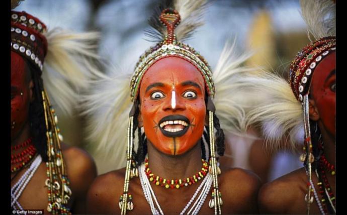 Bayanlar baylar evlendiğiniz kişi makyaj güzeli çıkarsa ne yaparsınız?