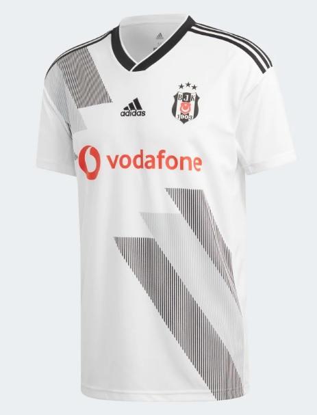 Beşiktaş'ın yeni sezon formalarını nasıl buldunuz?