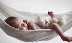 Bebeğinizi sallayarak uyutmanın doğru olduğunu düşünüyor musunuz?