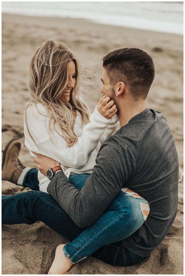 İlk buluşmada karşı cinsin en çok neyine dikkat edersiniz?