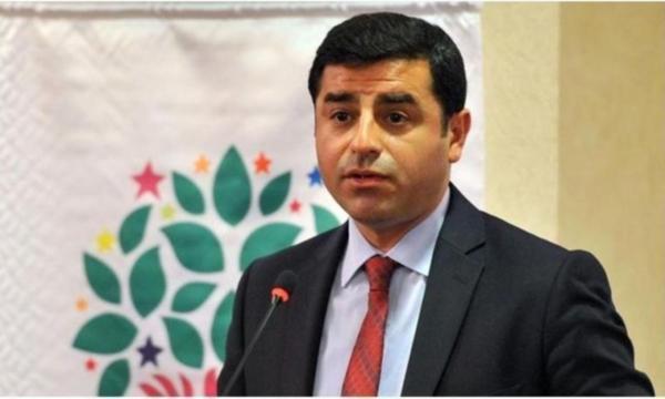 Selahattin Demirtaş:''  Ankara  adliyesinde gözlerimizi yaşartacak kadar adalet uygulanıyor!'' Yargıda çifte standart var mı sizce?