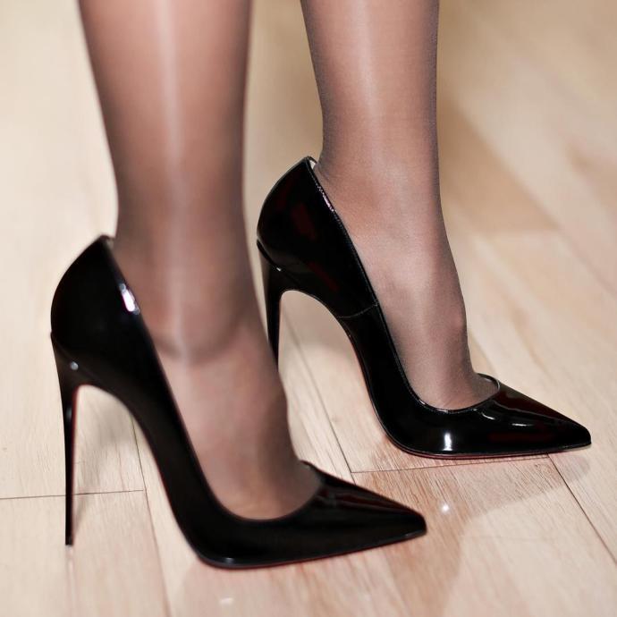 Kadınlar Stiletto Rengi Modeli Topuk Boyu Günlük ve ya Abiye Elbiselerle Nasıl Kombinlenir?
