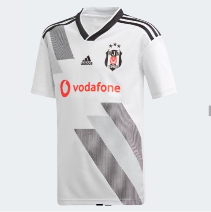 Beşiktaş iç saha forması