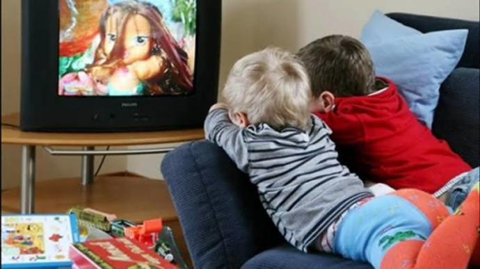 Çocukların tv izlemelerinin avantaj/dezavantajları nelerdir?