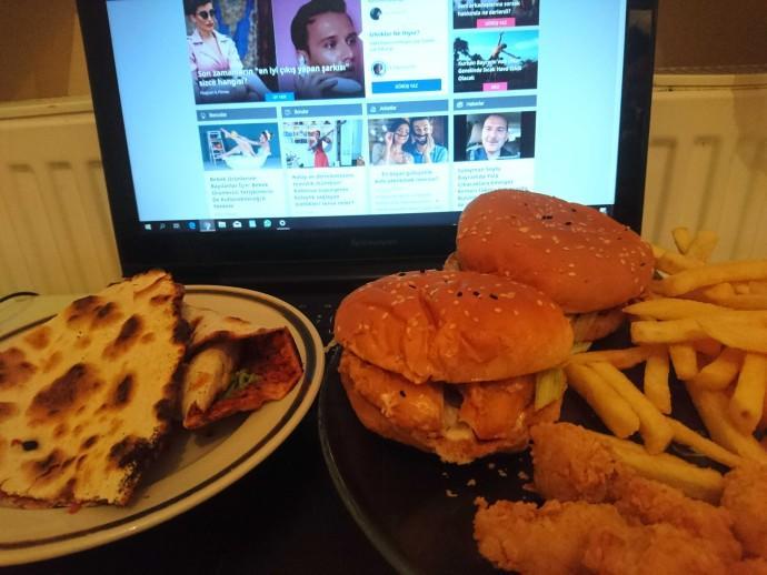 İkisini de tarafını seç: Amerikan fast food mu, Türk fast food mu?