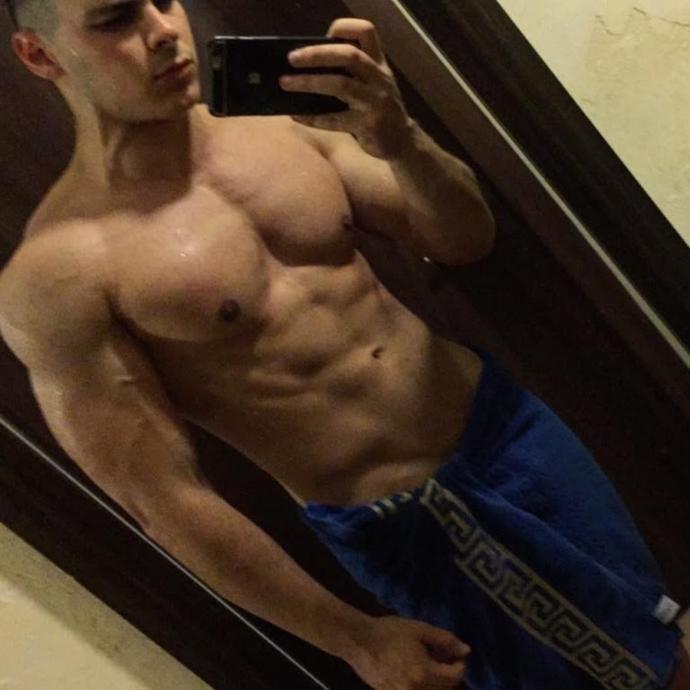Sizce bu adamın vücudu ideal mi sizce nasıl (Resimli)?