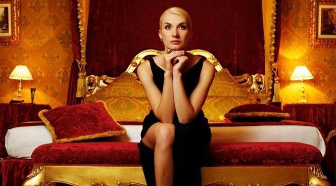 Kadınlar için zengin erkek mi, yoksa sadık mı daha makbuldür?