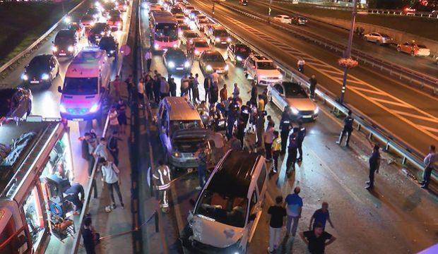 Şirinevler'de 5 araç birbirine girdi! Türk insanının araç kullanırken yaptığı en büyük hata nedir?