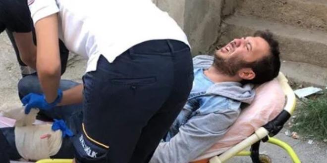 Karısından korkup kendini pıçaklayan adam