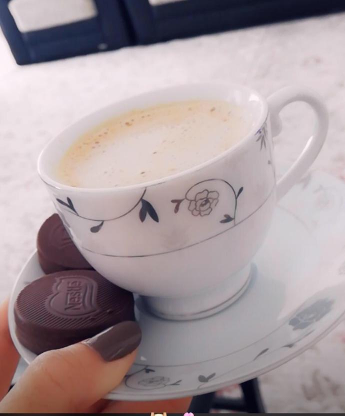 Bir Yorgunluk Kahvesini Kimle içmek İstersiniz?