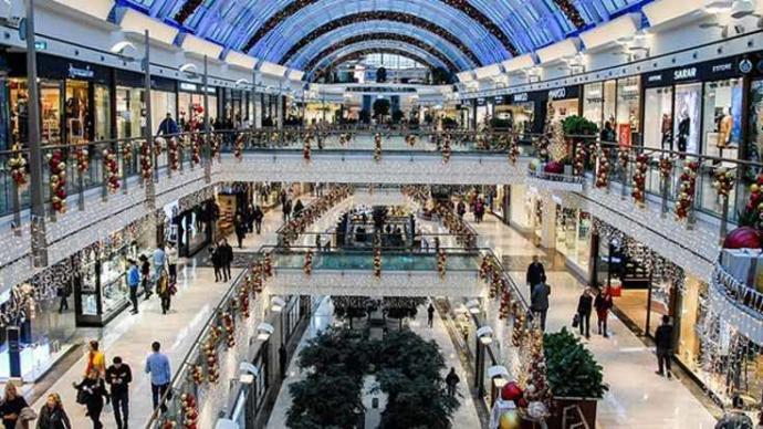 Bir kadının alışveriş merkezinden alışveriş yapmadan çıkması mümkün mü?