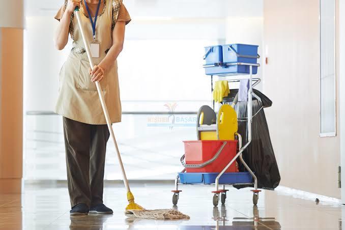 Evinizin temizliğini kendiniz mi yapmak istersiniz, yoksa temizlikçi mi tutarsınız?