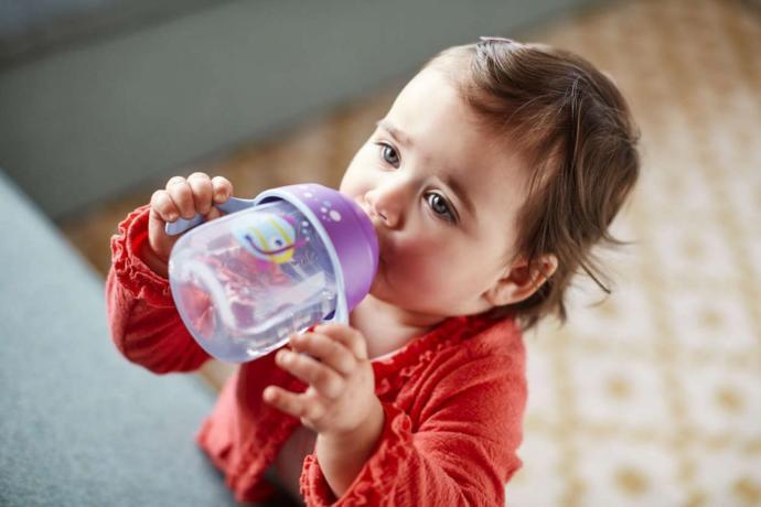 Bebek biberondan nasıl vazgeçer?