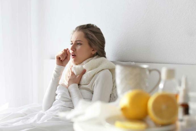 Nezle olduğunda antibiyotiğe mi koşarsın, nane - limona mı?