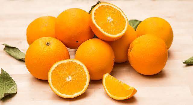 Kış mevsimine doğru gidiyoruz🌺 Hangisinin tadına hasret kaldınız, portakal mı mandalina mı?