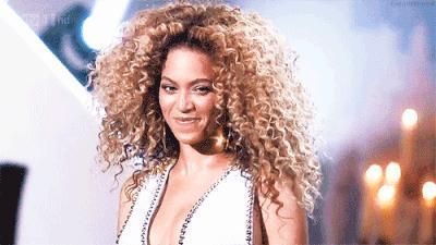 """""""En iddialı saçlar benim olsun"""" diyorsan buraya! Saç modelin ile fark yaratmak istediğin an hangisi?"""