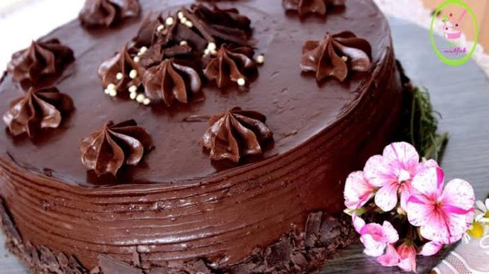 Doğum günü olanlara özel anket🎉🎉Çikolatalı yaş pasta mı yiyelim yoksa meyveli yaş pasta mı?