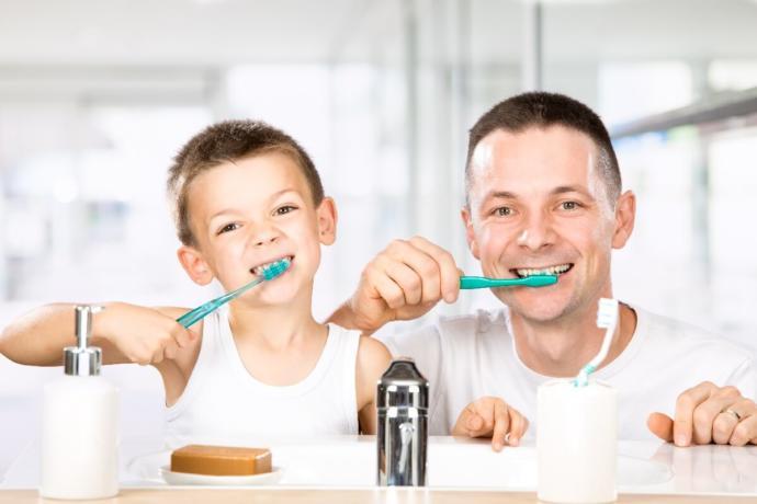 Dişlerinizi yemekten önce mi, yoksa sonra mı fırçalarsınız?
