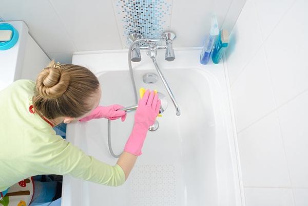 En zor kirlerin ve mikropların bulunduğu yer olan banyo ve tuvaletleri gerçekten gerektiği gibi temizliyor musunuz?