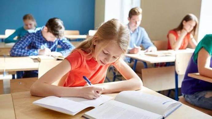 Şimdiki eğitim sistemi hakkında neler düşünüyorsunuz?
