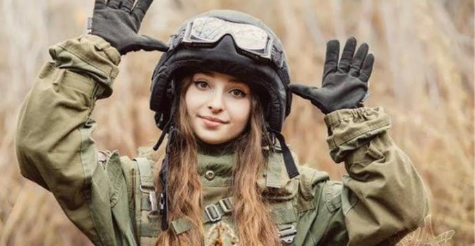 Kızlar askere gitse, erkekler bekler miydi?