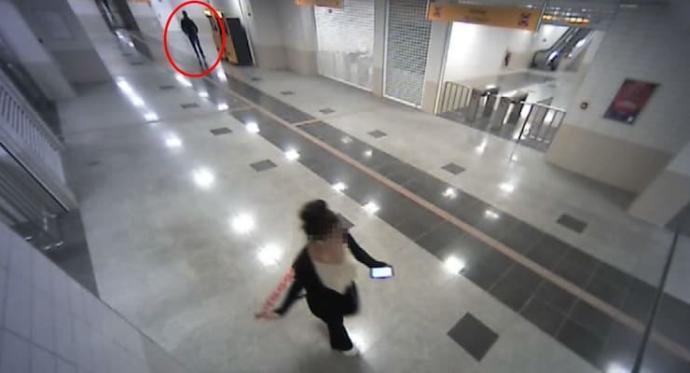 Yurt önlerinde üniversiteli kadınları taciz eden şüpheli tutuklandı! Sizce bu gibi sapıklara ne ceza vermeli?