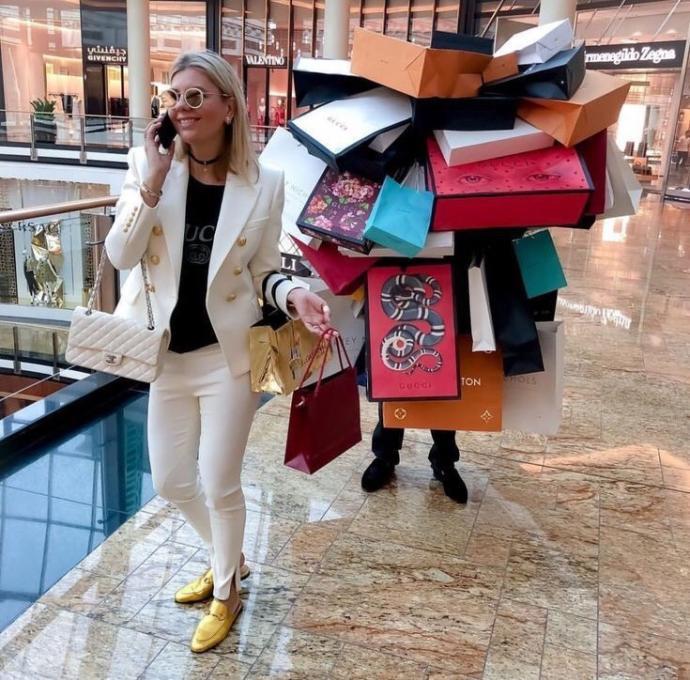Alışveriş delisi sevgili sizde 'ev ekonomisi bilmiyor' imajı yaratır mı?