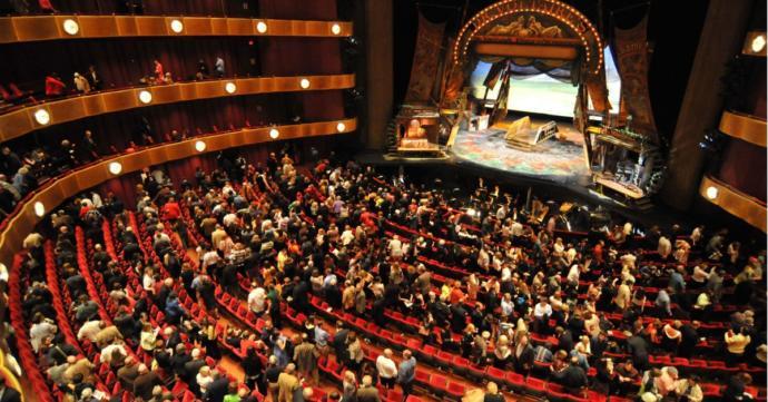 Sevgiliniz / eşiniz haftasonu sürpriz olarak sizi operaya götürmek istese ne hissederdiniz? ne derdiniz :) ?