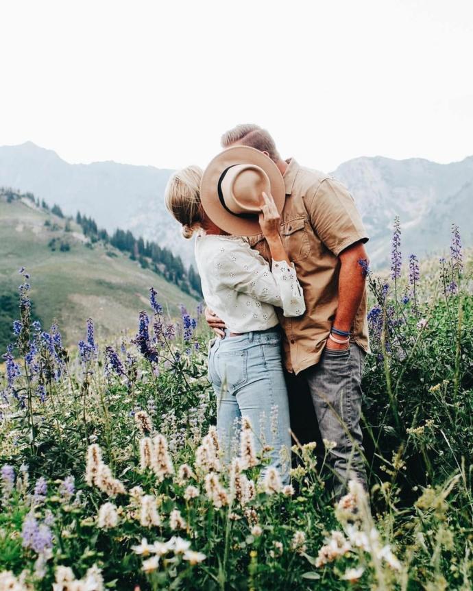 Sevgililer arası trip değerden midir yoksa ilgi beklentisinden mi?
